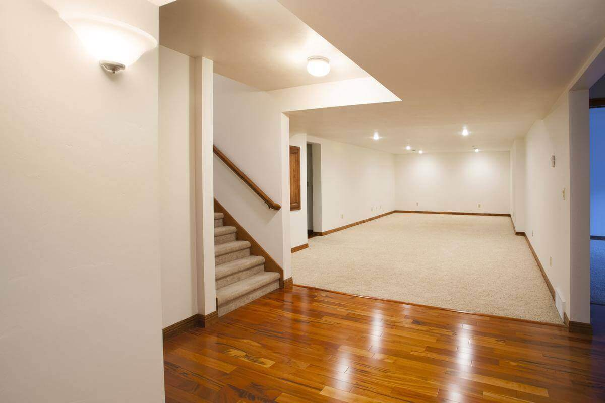 1200-483546981-basement-wall-with-carpet-1
