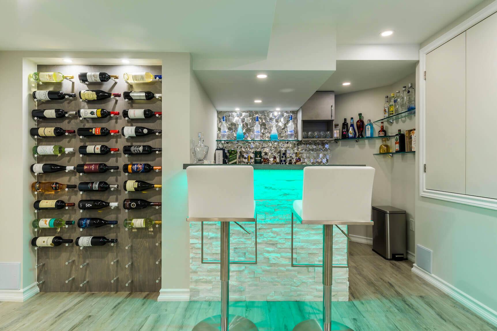 Basement vine cellar & bar in Toronto